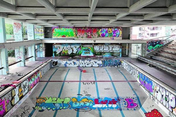KORES270's flick on Abandoned Public Pool.